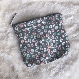 ✨3 for $10✨ Cute Floral Travel Beauty Bag